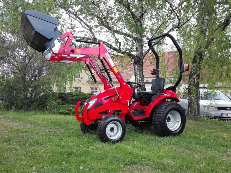 Traktor TYM T273 HST