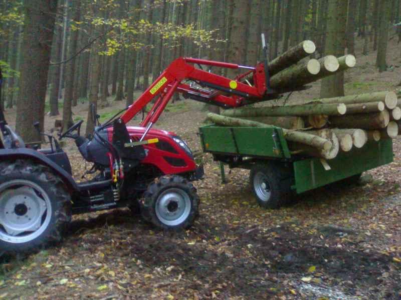 Traktor TYM T353