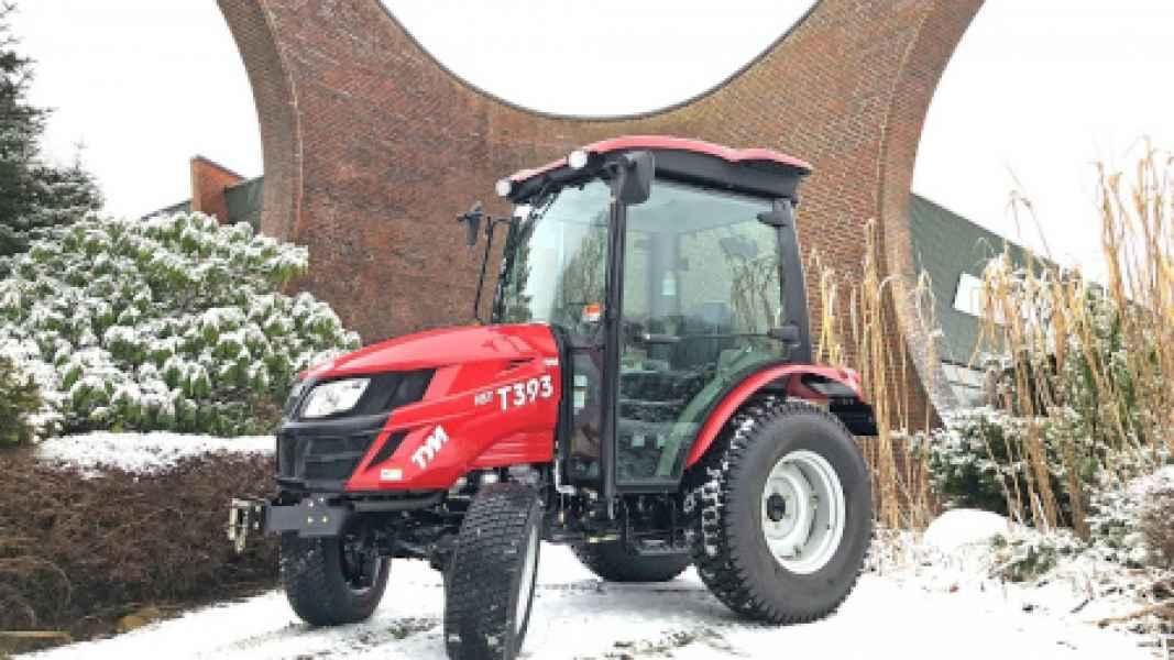 Traktor TYM T393