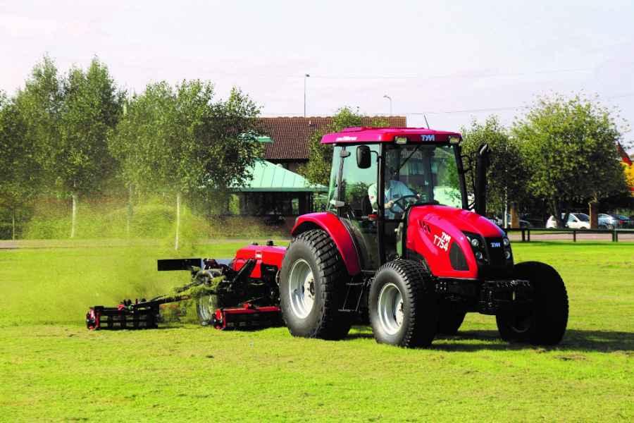 Traktor TYM T654 a T754
