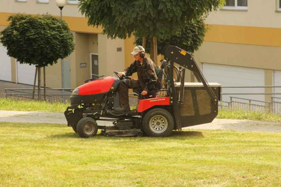 Traktor W3651 PIRAŇA