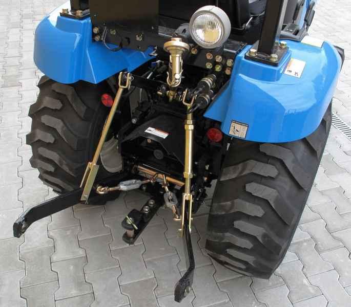 Traktor LS J