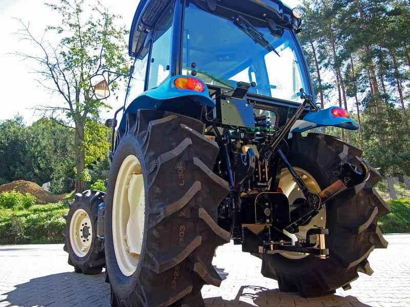 Traktor LS XU